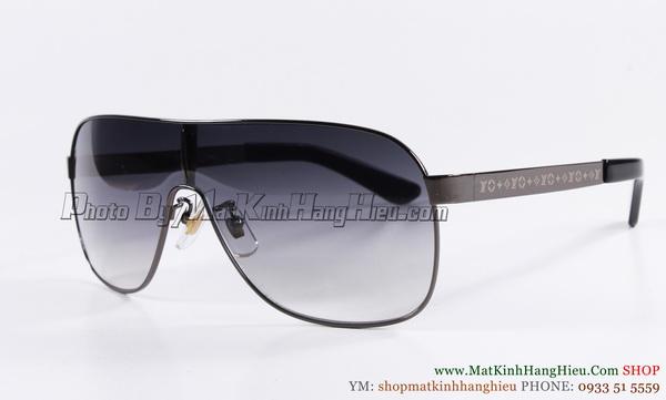 Louis Vuitton Z0133w d resize 3